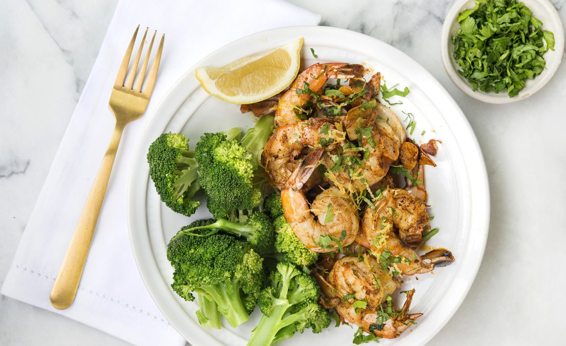 Garlic paprika shrimp and broccoli is perfect way to jumpstart your meal plan.