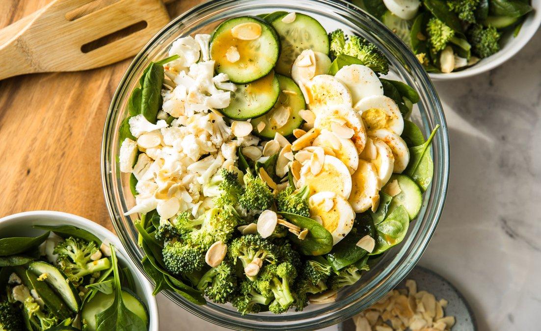 xyngular Spinach Salad Recipe.jpg