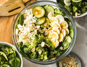 xyngular Spinach Salad Recipe.jpg